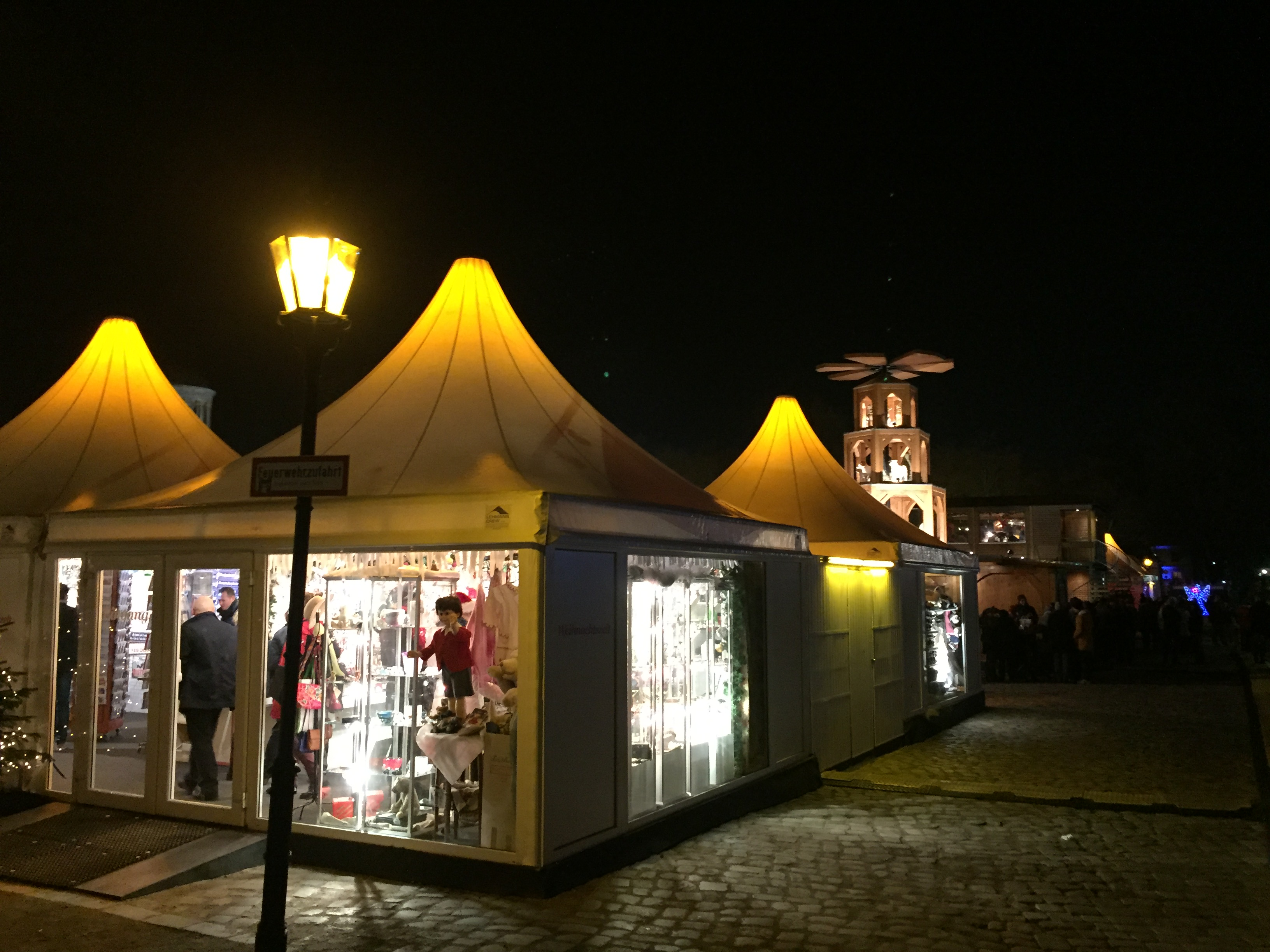 Eisstockschießen Berlin Weihnachtsfeier.Weihnachten In Berlin Berliner Insider Weihnachtstouren