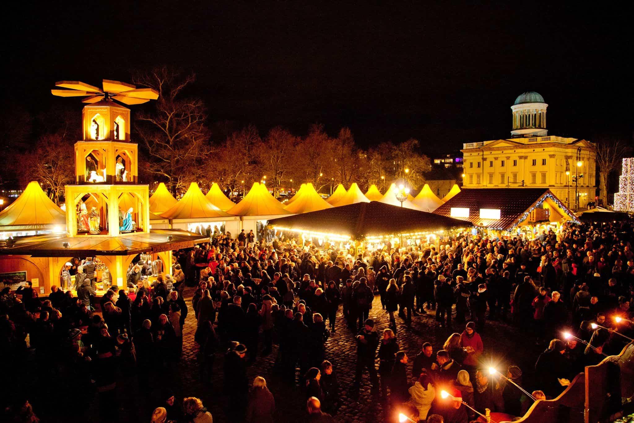 schönes Vorschaubild Berliner Weihnachtslichter im Dunkeln 2019